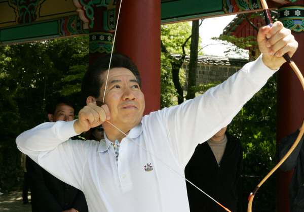 2005년4월23일 충렬사 방문 ⓒ 장철영