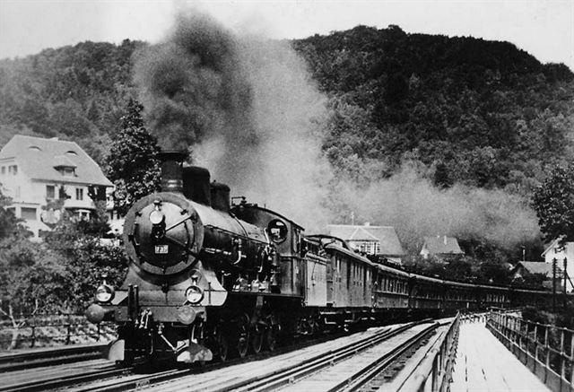 파리-이스탄불 구간은 1977년이 마지막이었다. 2차세계대전이 끝난 1947년 운행을 재개한 오리엔트 특급은 2009년 12월에 다시 영원히 사라졌다.