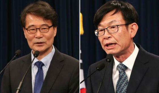장하성 청와대 정책실장(왼쪽)과 김상조 공정거래위원장 후보자. <한겨레> 자료사진
