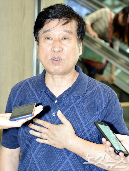 김호철 감독은 유망주 육성 등의 장기적인 배구 발전을 위해서는 전임 지도자 도입이 필요하다고 강조했다. 오해원기자