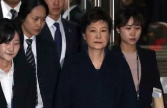 박근혜 전 대통령 심문 마치고 법원 떠나 <현장연결>