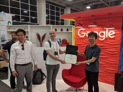 하이퍼커넥트는 지난달 미국 솔트레이크 시티에서 국제전기전자공학회(IEEE), 구글, 페이스북의 후원으로 열린 제 4회 LPIRC(Low-Power Image Recognition Challenge, 저전력 이미지 인식 챌린지)에서 퀄컴에 이어 준우승을 차지했다고 밝혔다. LPIRC2018은 세계 최대 컴퓨터 비전 및 패턴 인식 연례 콘퍼런스인 'CVPR2018 세부 행사 중 하나다. [하이퍼커넥트]