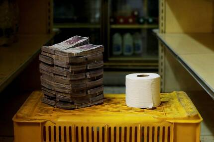 지난 16일 두루마리 휴지 한 통을 사려면 260만 볼리바르를 내야 했다.