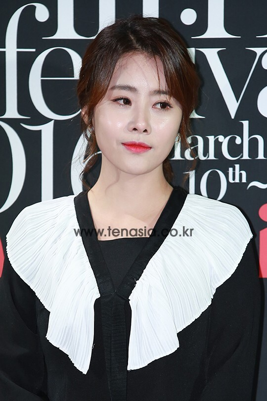 배우 홍이주가 10일 오후 서울 강남구 신사동 CGV 청담씨네시티점에서 열린 '제 5회 마리끌레르 영화제'에 참석해 포토타임을 갖고 있다.