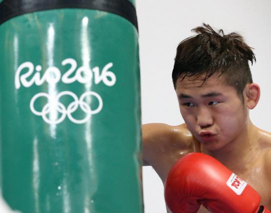 리우데자네이루 올림픽을 이틀 앞둔 3일 오후(현지시간)  복싱 함상명 선수가 훈련을 하고있다./리우데자네이루=올림픽사진공동취재단