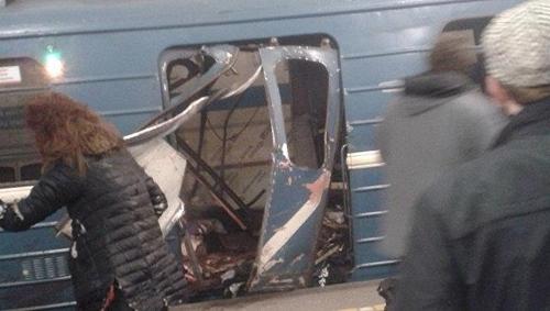폭발한 지하철 객차 [리아노보스티=연합뉴스]
