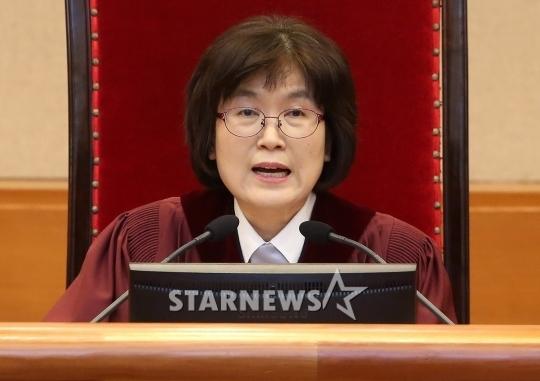 이정미 헌법재판소장 권한대행 / 사진=스타뉴스
