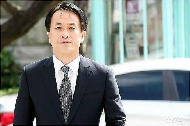 김희중 ( 이명박 정부, 전 청와대 제1부속실장)