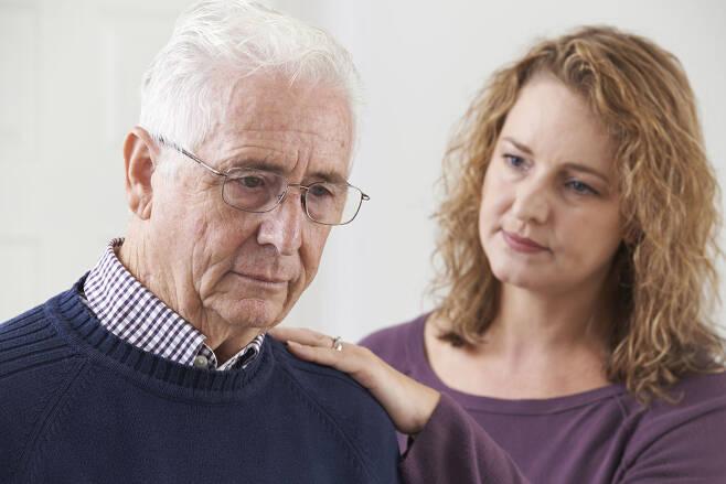 치매 위험 줄이는 6가지 방법