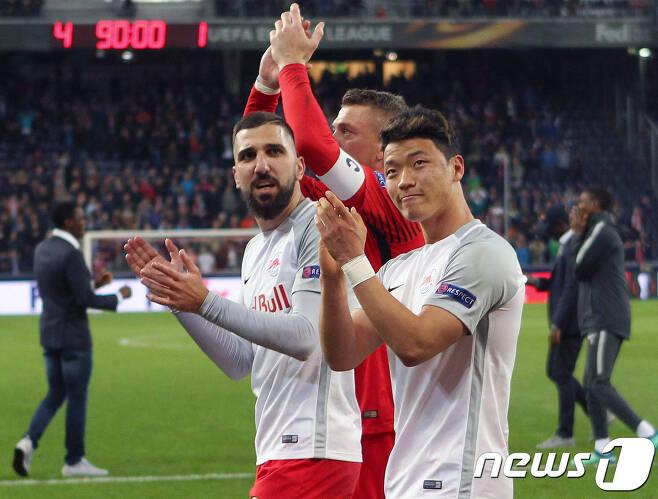 황희찬이 1골1도움으로 활약한 잘츠부르크가 그라츠 원정에서 승리를 거두고 시즌 우승을 확정했다.  ©AFP=News1