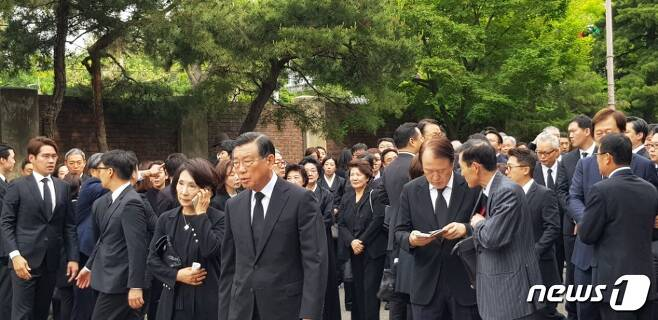 구본무 LG그룹 회장의 발인식에 참석한 박삼구 금호아시아나그룹 회장. © News1 장은지 기자
