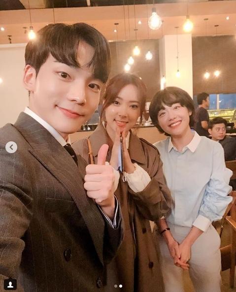 왼쪽부터 정재호 김장미 소주연