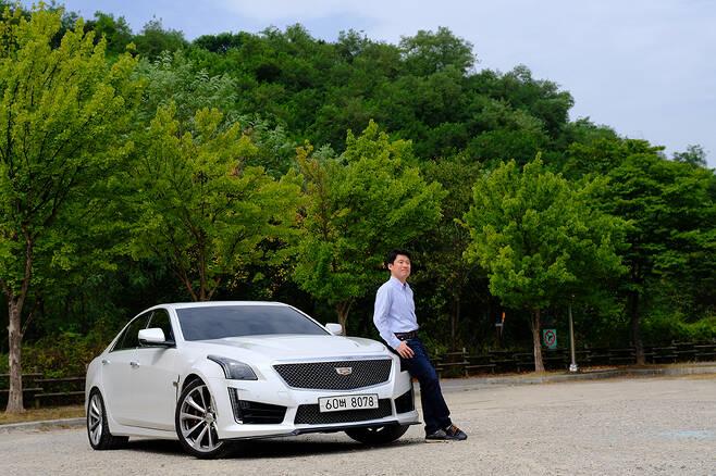 자동차의 본질을 이해하는 강상구 변호사가 캐딜락 CTS-V를 시승했다.