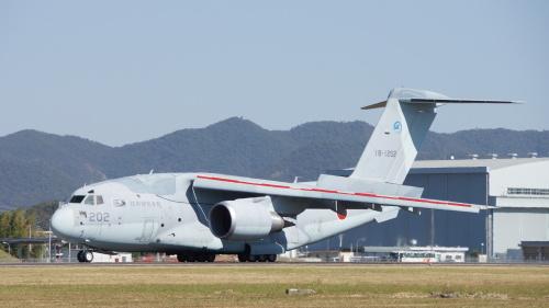 일본 자위대 C-2 수송기