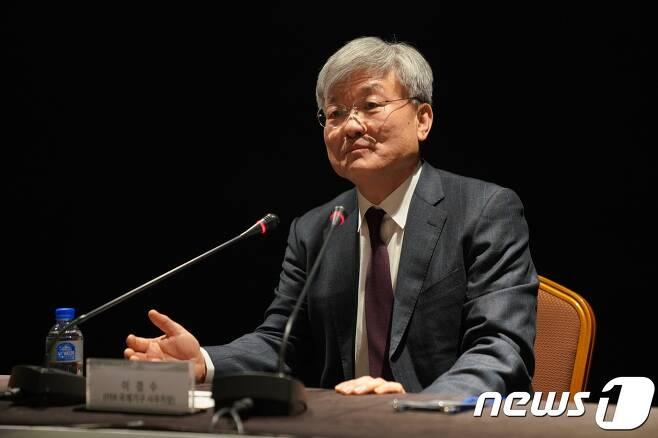 이경수 ITER 국제기구 사무차장이 20일 한국기자들과 인터뷰를 하고 있다. © 뉴스1