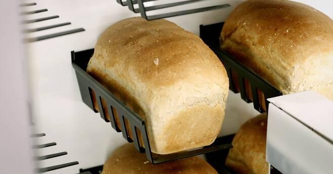 서울이 '세계에서 생활비가 가장 비싼 도시' 7위를 차지했다. 빵 값은 세계 최고였다. [연합뉴스]