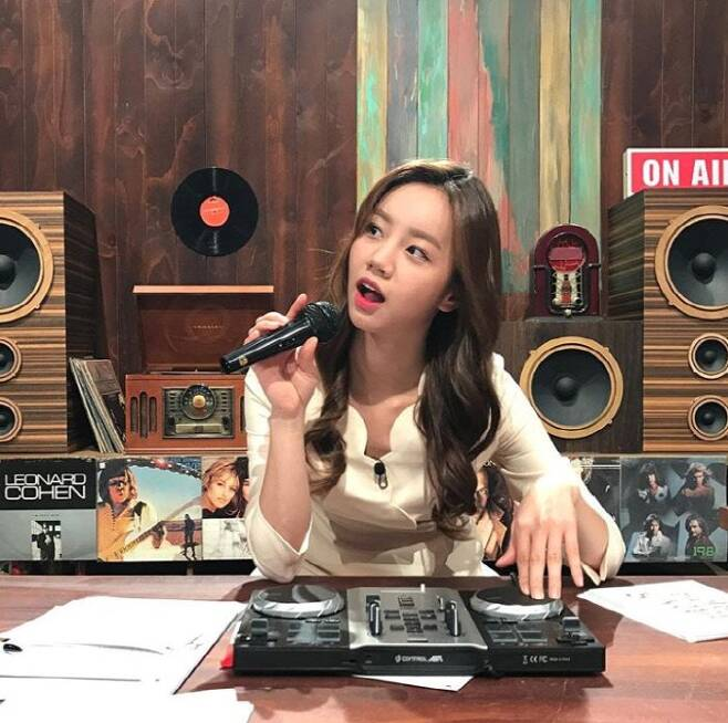 그룹 걸스데이 멤버 혜리가 촬영 인증 사진을 공개했다. 혜리 인스타그램