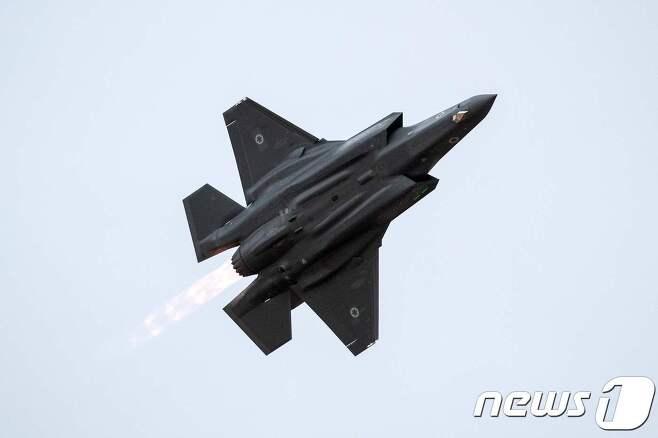 일본 항공자위대 소속 F-35A 스텔스 전투기. © AFP=뉴스1
