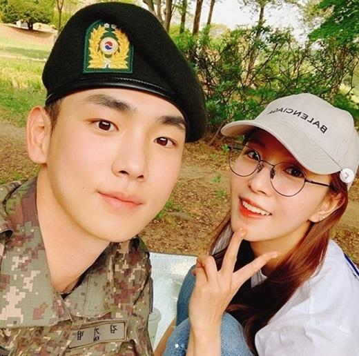 그룹 샤이니 키(왼쪽), 가수 보아. / 보아 SNS