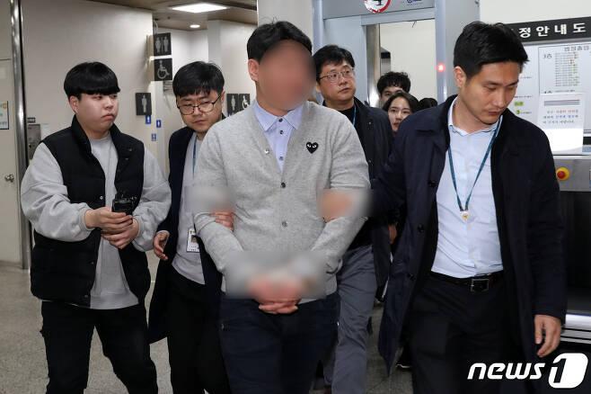 '버닝썬 유착 중간고리'로 알려진 전직 경찰관 강모씨. © News1 이승배 기자
