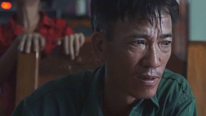 삼성전자 공장에서 일하다 사망한 르우티타인떰의 아버지 르우반티엡을 지난 5월16일 옌딘 집에서 만났다. <한겨레>는 국내외를 통틀어 그가 처음 만난 언론이었다. 옌딘/조소영 <한겨레티브이> 피디 azuri@hani.co.kr