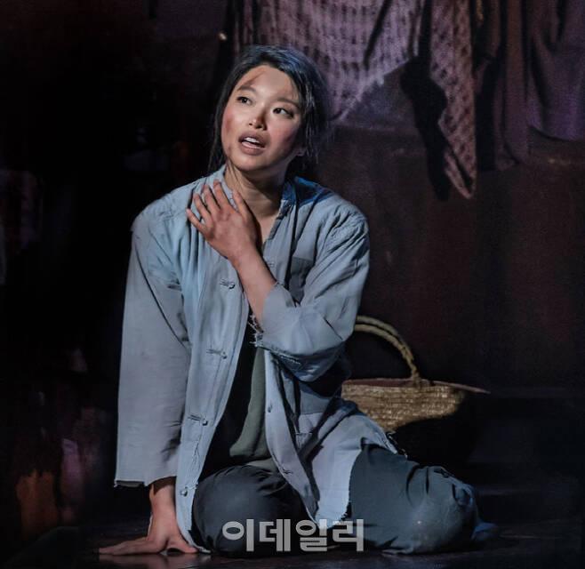 뮤지컬배우 김수하가 출연한 웨스트엔드 뮤지컬 '미스 사이공'의 한 장면(사진=PL엔터테인먼트).