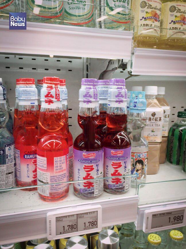음료수가 진열되어 있는 곳에서 생각보다 많은 일본 음료들이 자리 잡고 있었다. 김재호 기자 ⓒ베이비뉴스