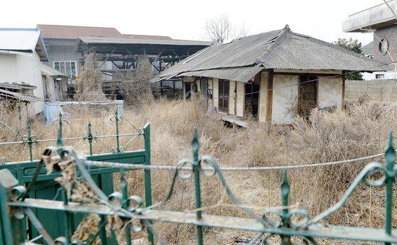 2033년이 되면 일본의 빈집 수는 약 2000만채를 넘을 것으로 예측하고 있다. [중앙포토]