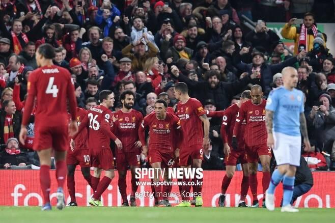 ▲ 리버풀이 전반전 12분 만에 2골을 기록하며, 맨시티를 상대로 리드를 이어 갔다.