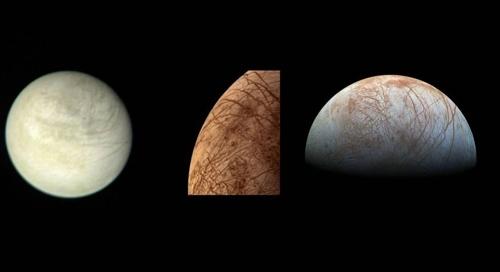 목성 위성 유로파 보이저1호가 1979년 3월 2일 290만㎞ 밖에서 촬영한 것(왼쪽)과 보이저2호가 같은 해 7월 9일 촬영한 근접 컬러 사진(중앙), 1990년대 후반 갈릴레오호가 찍은 유로파(오른쪽)  [NASA/JPL 제공]