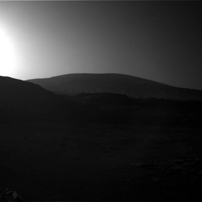 해가 뜨는 화성의 모습. 사진=NASA/JPL-Caltech