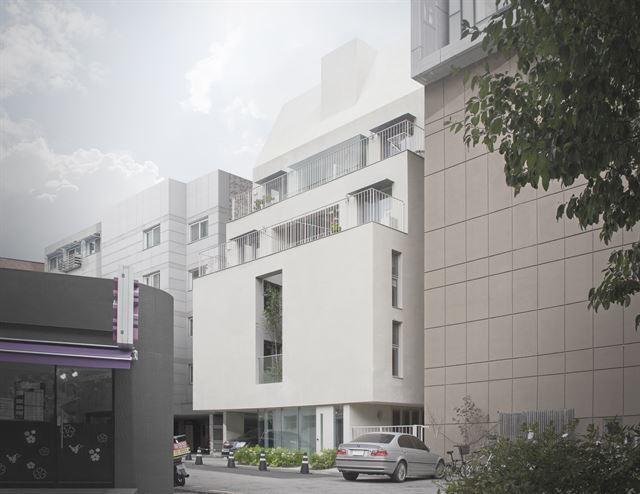 서울 동대문구 전농동 주택가에 들어선 '유일주택'. 2,3층에 심은 자작나무는 주택의 얼굴과도 같다. 건축가들은 공용 공간의 외부화를 통해 인근 다세대 주택과의 차별화를 꾀했다. 김주영(studio millionroses) 건축사진작가