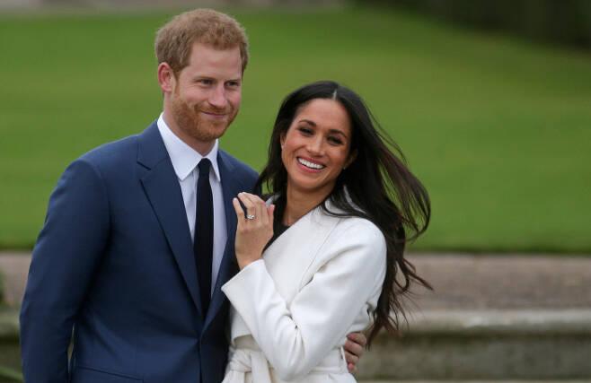 영국 해리 왕자와 부인 메건, 2017년 11월 모습. 런던 | AFP연합뉴스