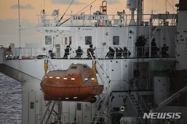 [서울=뉴시스]2011년 청해부대 아덴만 여명작전 모습. 2019.03.12. (사진=해군 제공) photo@newsis.com
