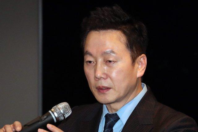 정봉주 전 열린우리당 의원이 28일 서울 여의도 한 호텔에서 '열린민주당(가칭)' 창당 선언 기자회견을 하고 있다. 사진=뉴스1