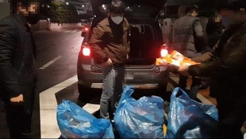 불법 마스크 유통 단속 [부산 경찰청 제공. 재판매 및 DB 금지]