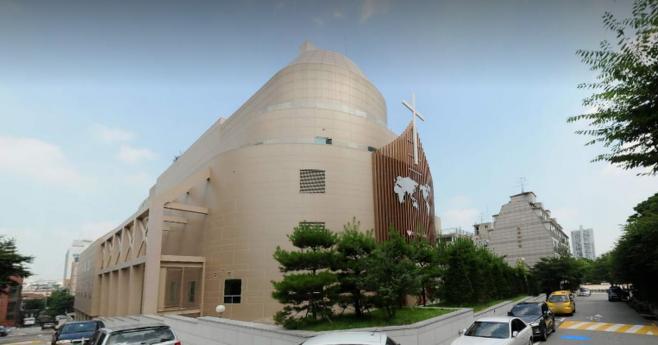 ▲ 정대택씨와 윤석열 총장의 장모가 근저당부 채권을 사들였던 서울 오금동 스포츠 센터 자리에는 현재 대형 교회가 들어서 있다.