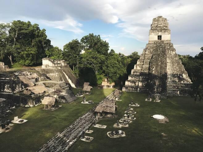 고대 마야문명 도시 티칼과 신전의 현재 모습.(사진=지미 바움/Unsplash)