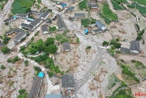 홍수가 덮친 몐닝(冕寧)현 산간 마을 [청두상보 홈페이지. 재판매 및 DB 금지]