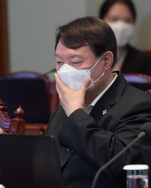 6월22일 윤석열 검찰총장이 청와대에서 열린 제6차 공정사회 반부패정책협의회에 참석했다. 연합뉴스