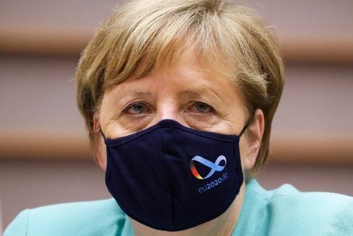 유럽의회 마스크 쓴 앙겔라 메르켈 독일 총리 AFP