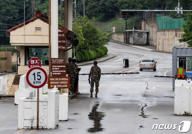 미국 국방부가 백악관에 주한미군 감축 옵션을 제시했다고 월스트리트저널(WSJ)이 보도했다. 사진은 19일 오전 서울 용산구 주한미군기지의 모습. 2020.7.19/뉴스1 © News1 이재명 기자