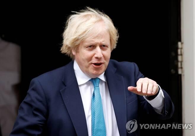 지난 16일 보리스 존슨 영국 총리의 모습. [로이터=연합뉴스 자료사진]