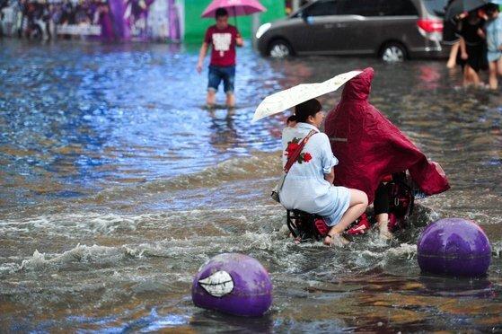 과거 중국의 홍수 피해 모습.[사진 이매진차이나]