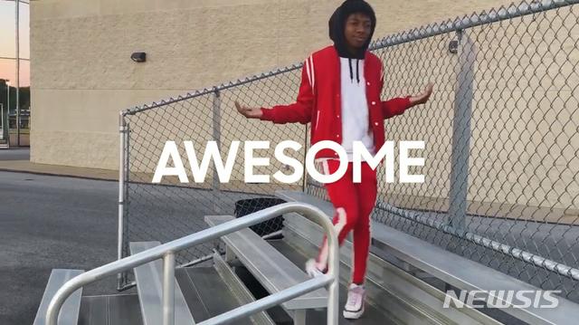 [서울=뉴시스]박주성 기자 = 삼성전자 갤럭시 A 시리즈의 마케팅 캠페인 'Samsung Galaxy A ? #danceAwesome' 챌린지와 'AWESOME is for everyone' 광고 영상이 세계적 권위를 자랑하는 'D&AD 어워드(Design and Art Direction awards)'에서 수상하는 쾌거를 거뒀다. D&AD는 1962년 런던에서 시작된 비영리 목적의 광고·디자인 페스티벌이다. (사진=삼성전자 제공) 2020.06.21.  photo@newsis.com