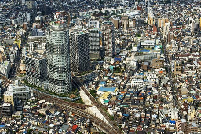 ⓒKyodo News일본 도쿄 일대 주택가 전경. 일본에서는 재판을 통해 임대료 인상 혹은 인하가 결정된다.