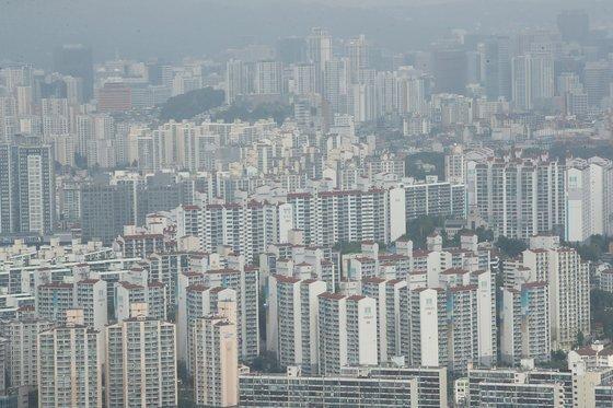 서울 63빌딩에서 본 서울 아파트 모습. [연합뉴스]