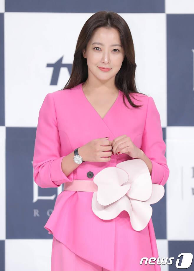 배우 김희선/뉴스1 © News1 권현진 기자