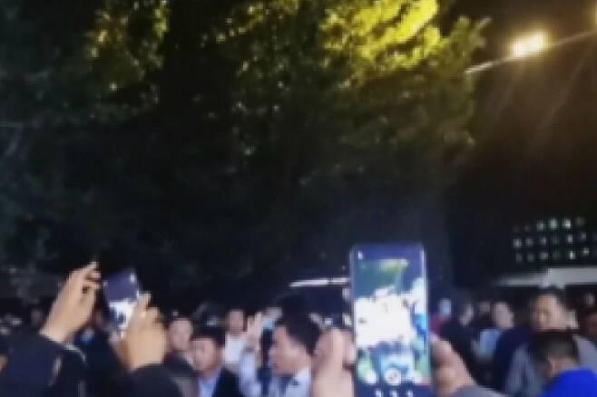 네이멍구 주민 수천 명이 거리로 나왔다. (사진=홍콩 사우스차이나모닝포스트 캡처)