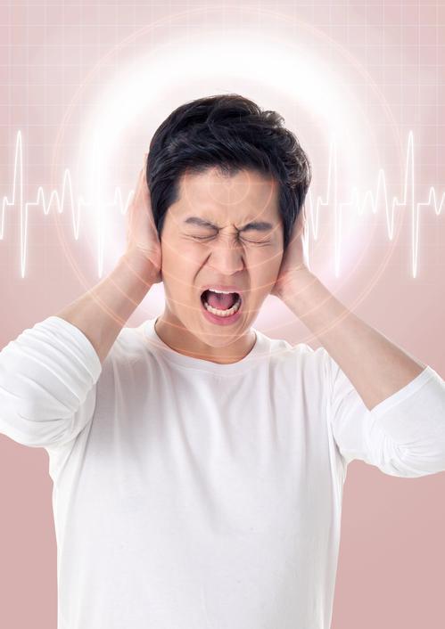 눈을 칼로 찌르는 듯이 아픈 군발두통은 잘 알려지지 않아 희소 질환인 탓에 정확한 진단을 받는 데에만 몇 년이 걸린다. 게티이미지뱅크